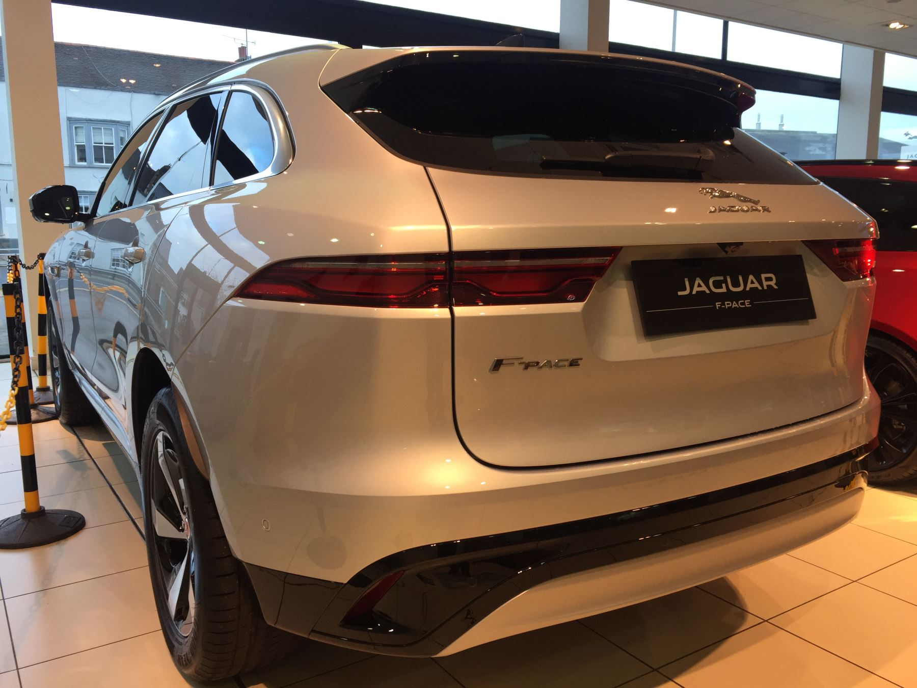 Jaguar F-PACE Stock cars available Immediately with all models available for early delivery.  image 8